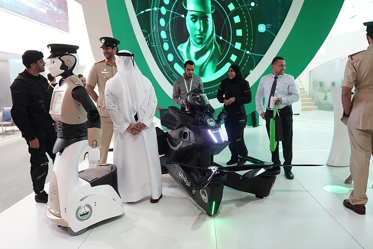 Hoversurf is proud to showcase its latest product to the Dubai Police