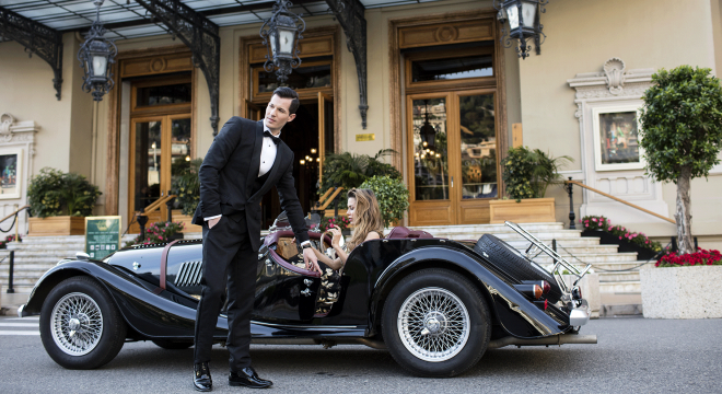 How to host a luxury casino party night -
