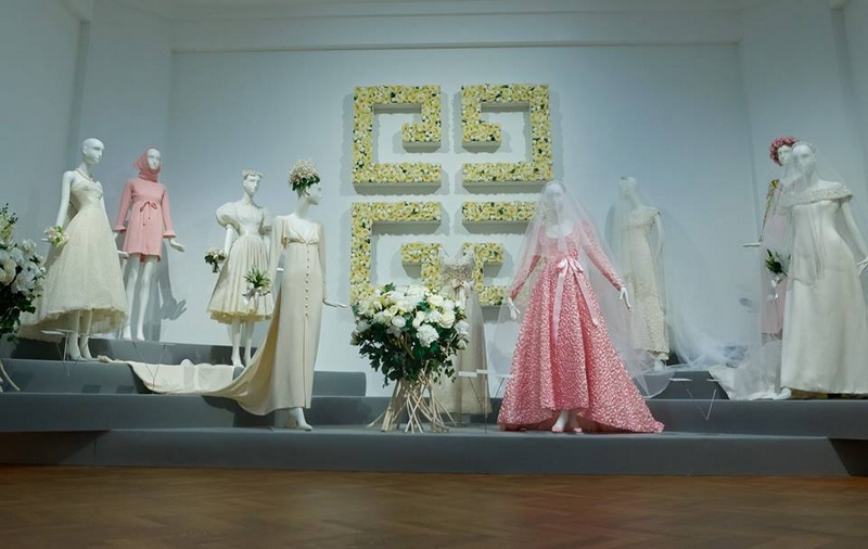 to audrey with love monsieur de givenchy pays homage to