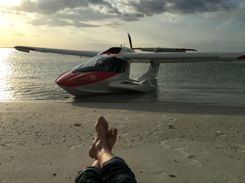 Icon A5 Aircraft -01-on the road