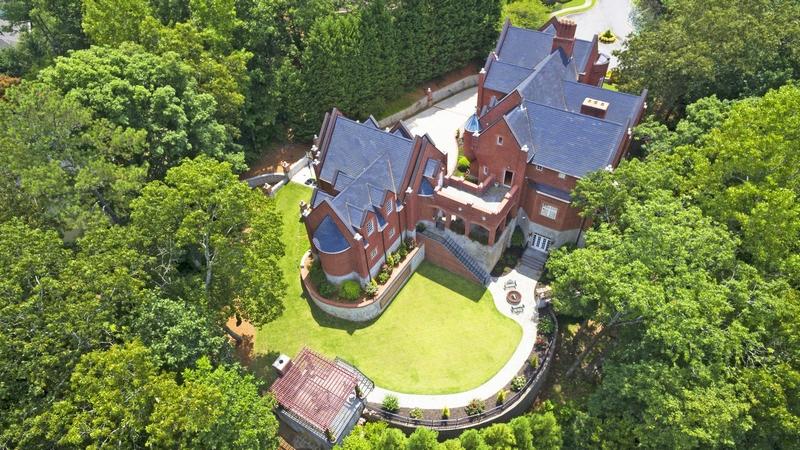 Impressive mansion in Marietta, Georgia