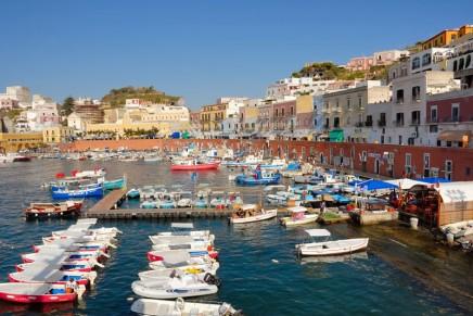 Exploring the Amalfi Coast on a Superyacht