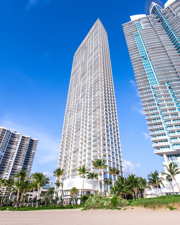 Jade Signature's slender façade distinguishes it from all other buildings on the Miami skyline