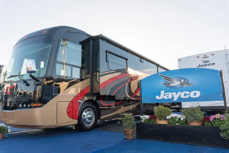 Jayco Embark luxury coach unveiled at 2018 Florida RV SuperShow-