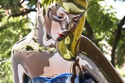 Jeff Koons plagiarised French photographer for Naked sculpture