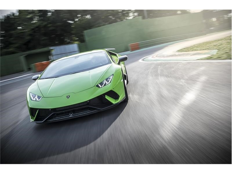 Jeremy Clarkson has announced the Lamborghini Huracan Performante as his 2018 car of the year-01