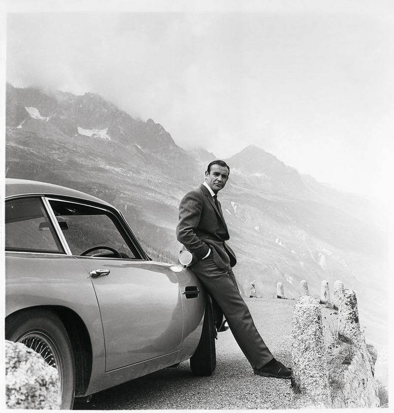 Just a perfect moment for James Bond and his Aston Martin.