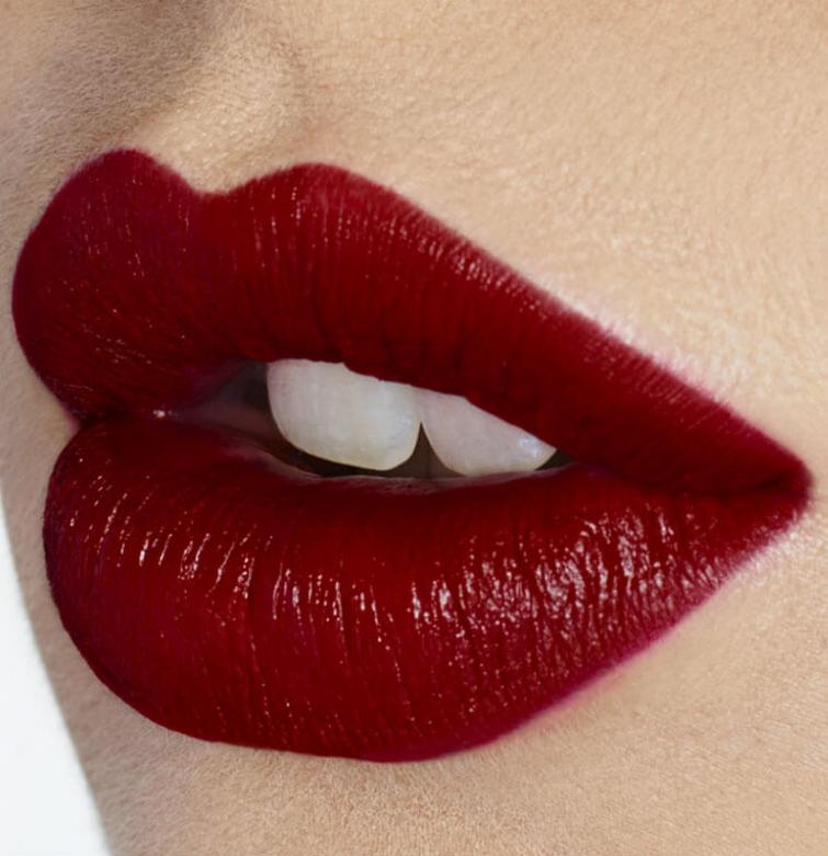 K.I.S.S.I.N.G Moisturising buildable red lipstick