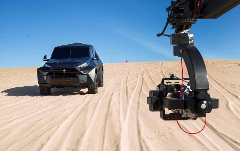 Karlmann King SUV - photos in the desert