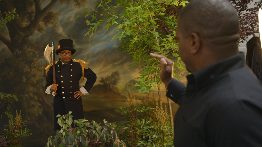 """Kehinde Wiley and Spike Lee during the """"Modern Kings of Culture"""" portrait creation"""