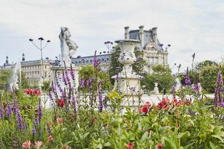Kenzo Parfums is planting stunning floral landscaping at the world's most famous museum