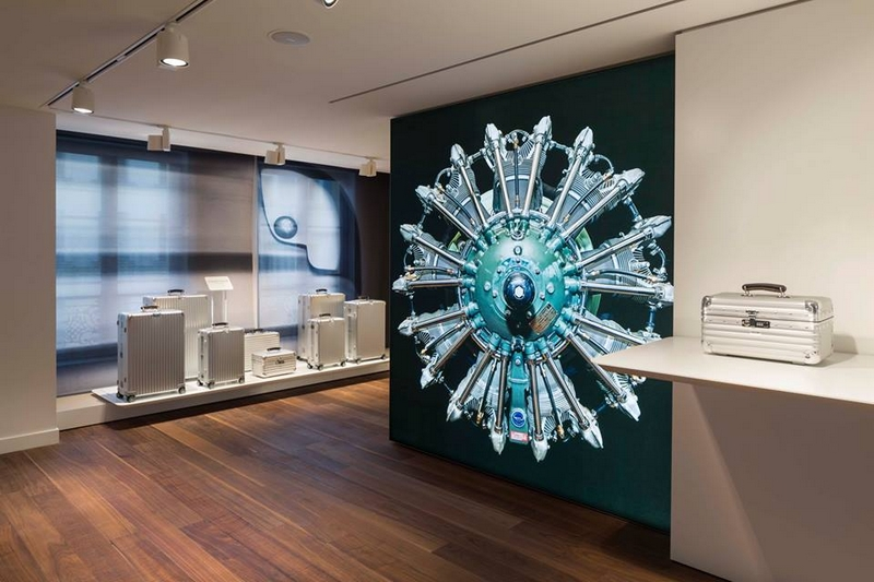 LVMH's RIMOWA high-end luggage has opened its first flagship store in Paris 2017-