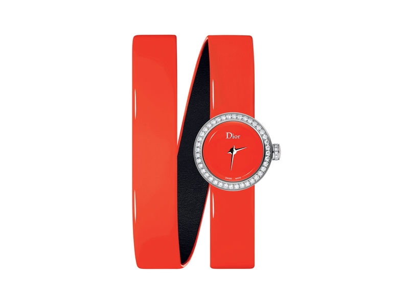 La Mini D de Dior watch also enters summer time