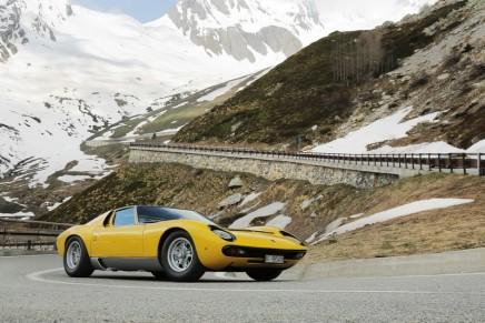 "Lamborghini Miura celebrates its half a centuryon the roads of ""The Italian Job"""