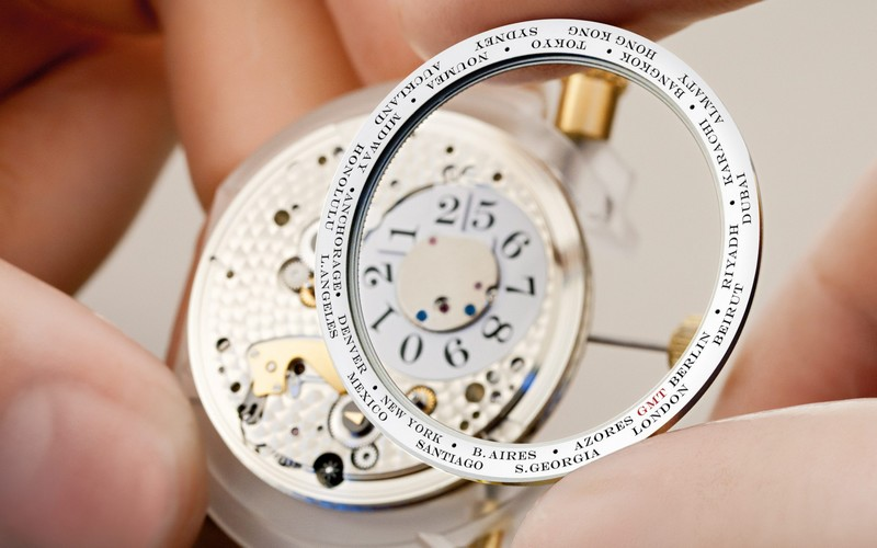 Lange 1 TIME ZONE watch details