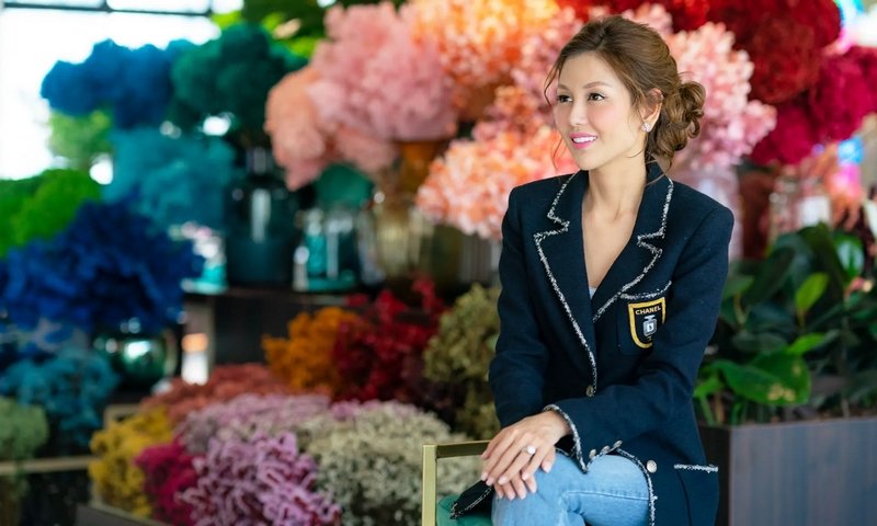 Lelian Chew is a wedding planner with an unbelievable budget.