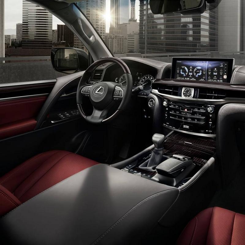 Lexus LXint