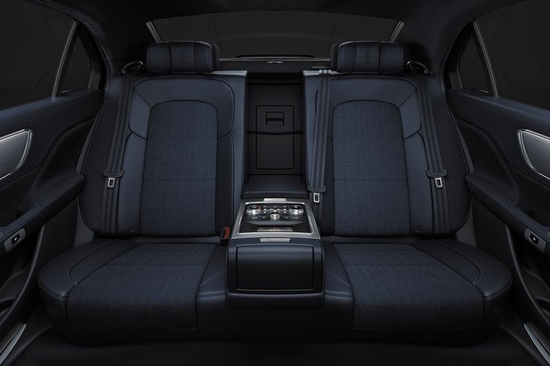 Lincoln expands pilot chauffeur program - 2017
