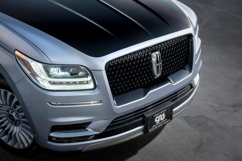Long-wheelbase Lincoln Black Label Navigator was specially ordered and customized for celebrity car enthusiast Jay Leno