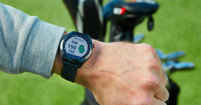 Look good on the green with the stylish Approach S40 GPS golf smartwatch