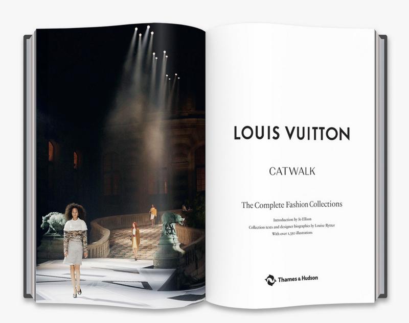 Louis Vuitton Catwalk Book 2018-images-05