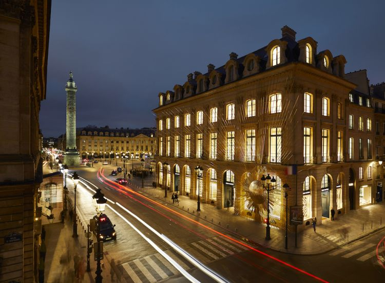Louis Vuitton opened the doors to its new Maison Louis Vuitton Vendôme at 2 Place Vendôme in Paris, Frane - exterior details by nights