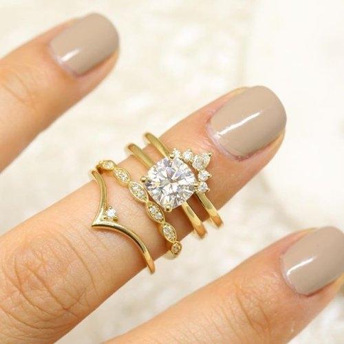 Love & Promise Jewelers look
