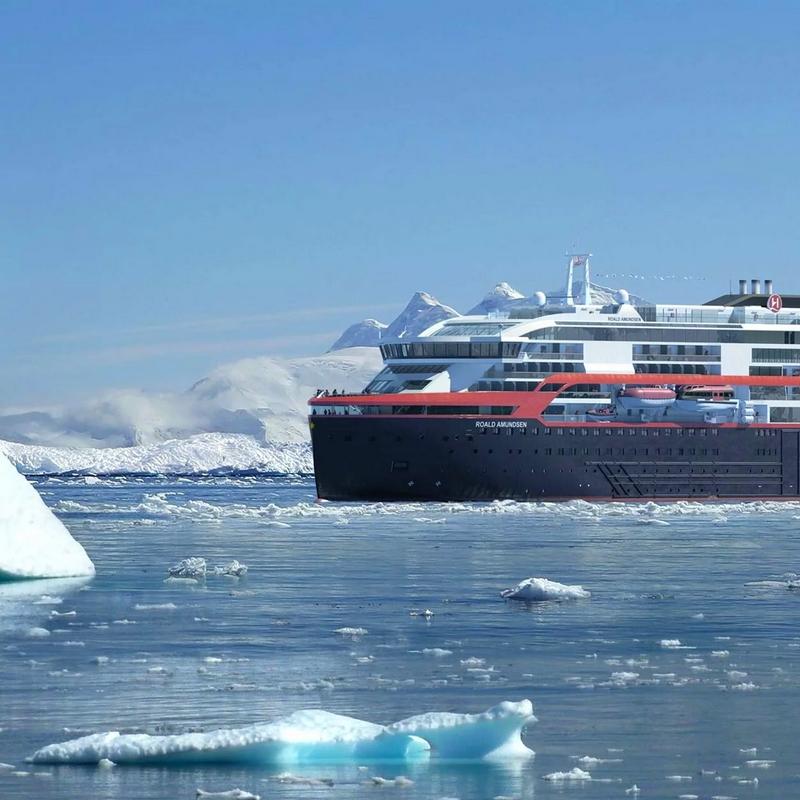 MS Roald Amundsen Antarctica