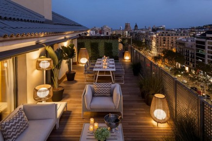 Where to find the largest and most luxurious suite in Barcelona, Spain?