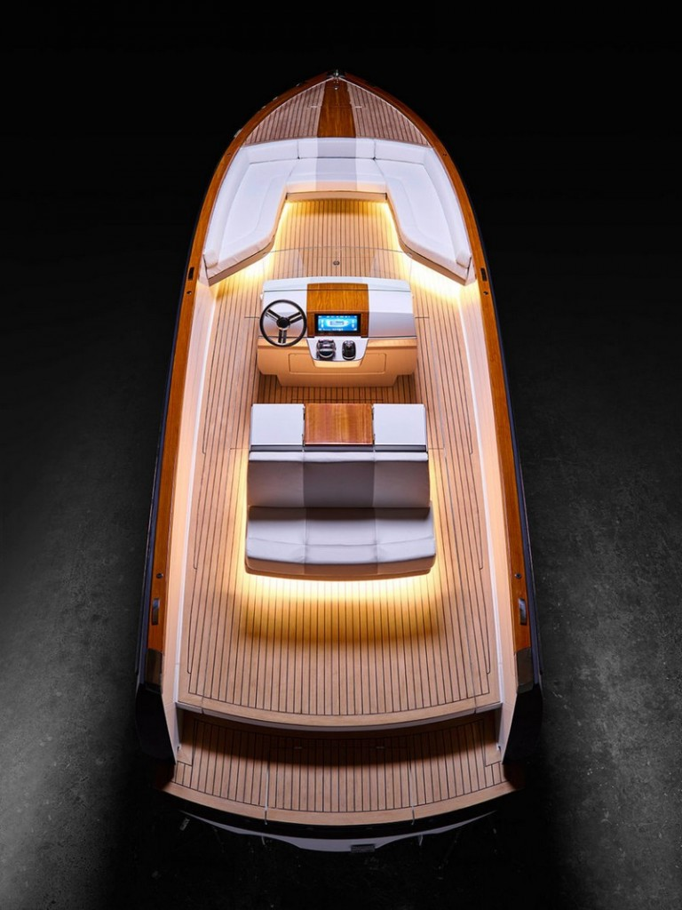 Meet Hinckley Dasher - the world's first fully electric luxury yacht-