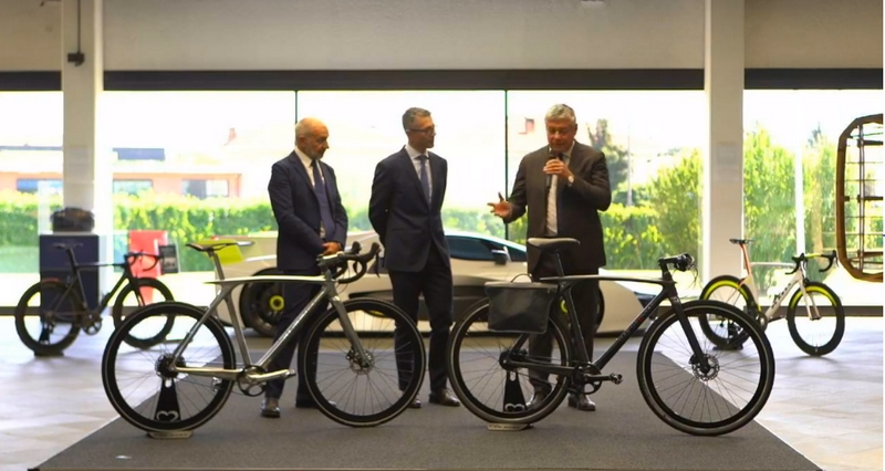 Meet The First Sport Utility Bike in the World Signed by De Rosa and Pininfarina-