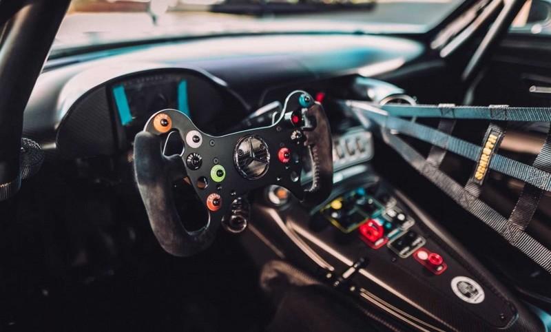 Mercedes-AMG GT3 Edition 50 - 2017 - controls