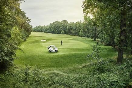 Mercedes design seen on golf courses  – Mercedes-Benz Style Edition Garia Golf Car