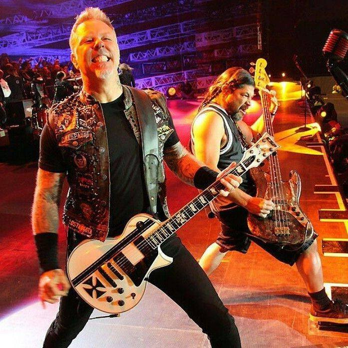 Metallica live on their North American tour