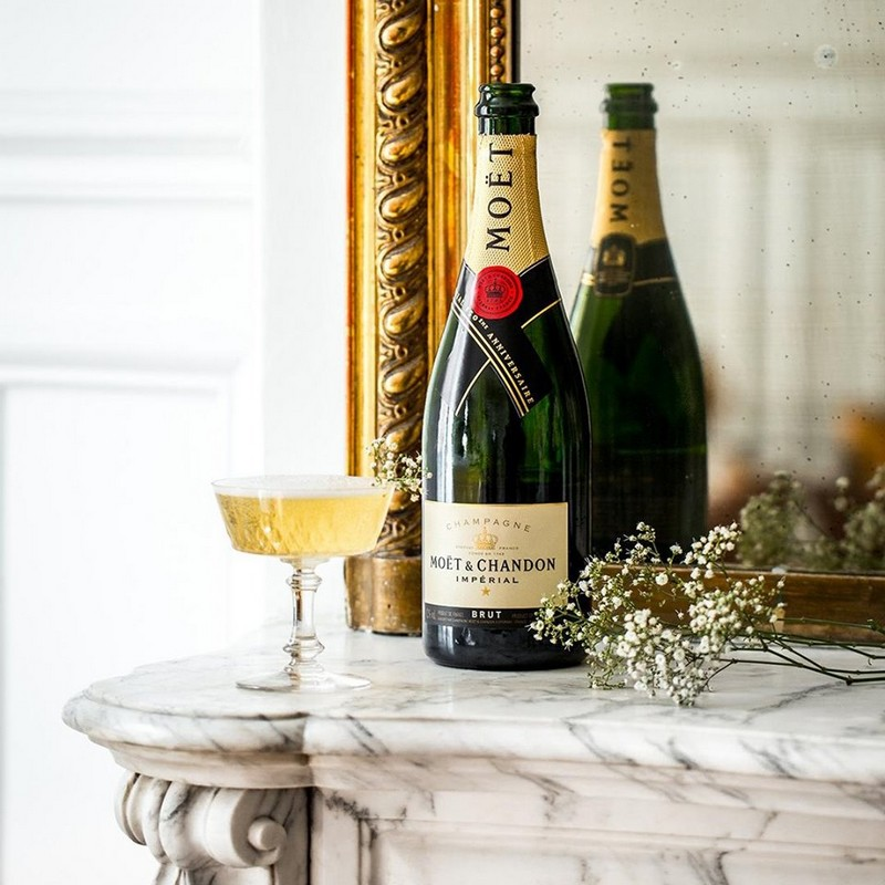 Moët Impérial has the freshness of mineral nuances and white flowers