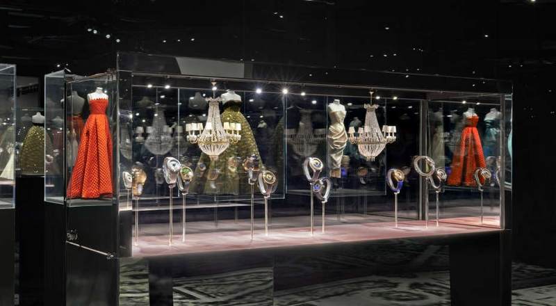 Monsieur Dior's beloved gardens and flowers inspire new Dior Grand Soir Collection