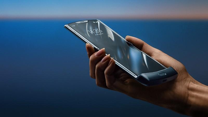 Motorola Razr 2020 smartphone-
