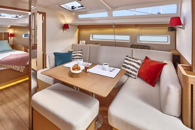 NEW JEANNEAU SO 440-interior spaces-