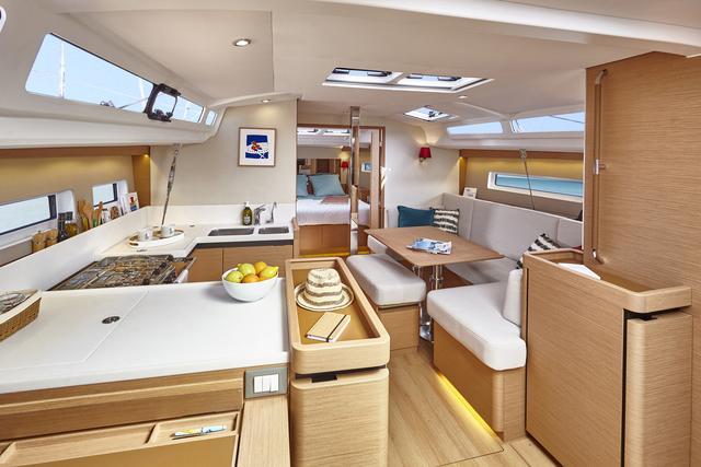 NEW JEANNEAU SO 440-interior spaces-2