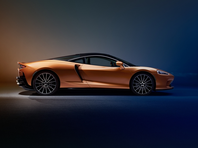 New McLaren GT - superlight Grand Touring-01