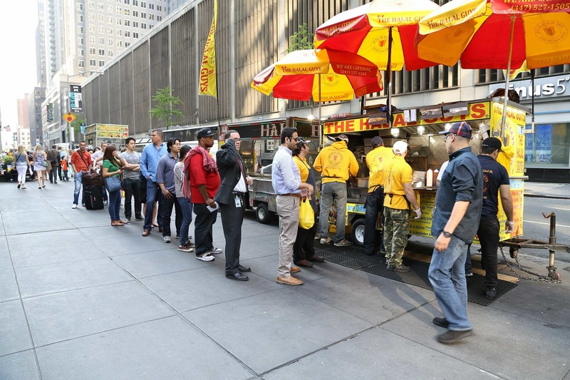 New York City's Essential Group Food Crawl Destinations - the halal guys