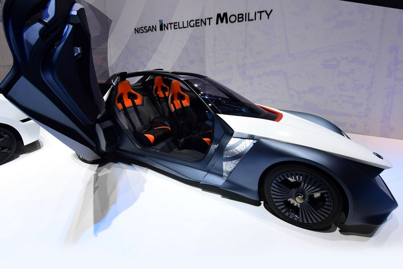 Nissan BladeGlider - Enthusiasts should look forward to a zero emission future with all-electric magic