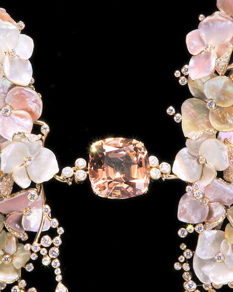 Nuage de Fleurs masterpiece necklace