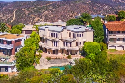 For those who prefer life with charming water views: Ocean view estate in Laguna Beach, California