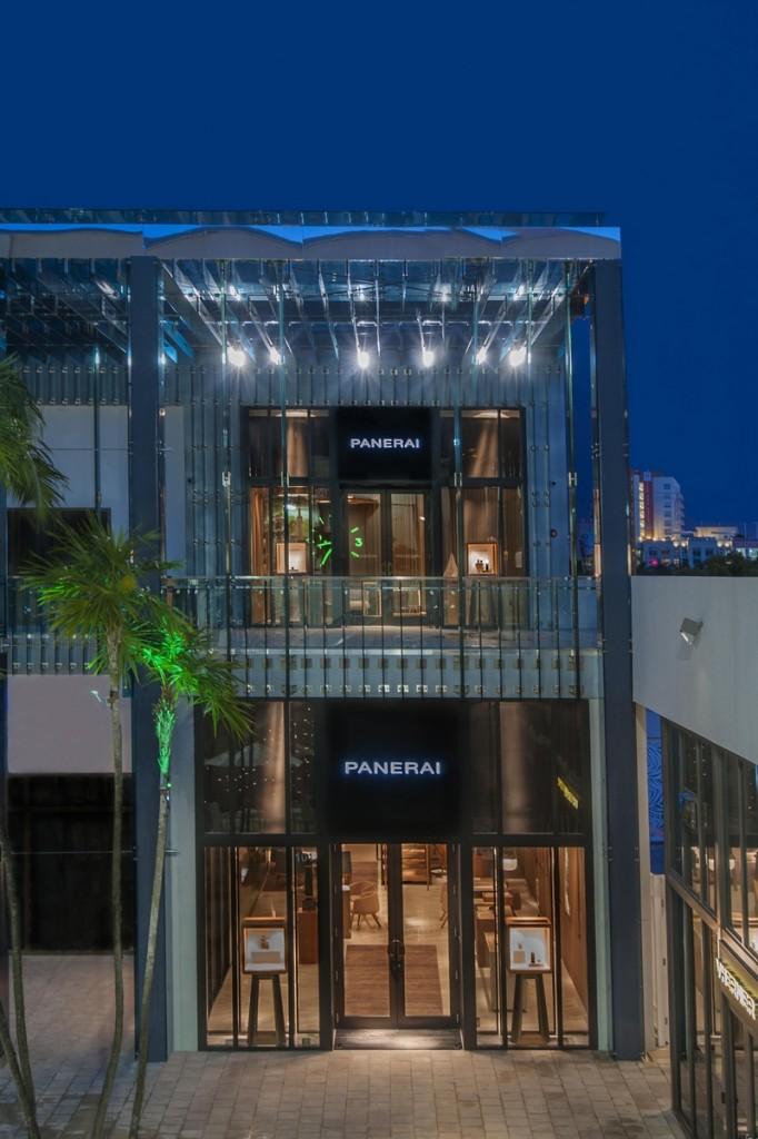 PUrquiola for Panerai-facade