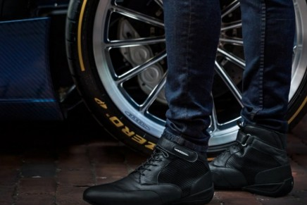 Pagani Roadster Driving Boot is as rare and timeless as the elegant car that inspired it's design
