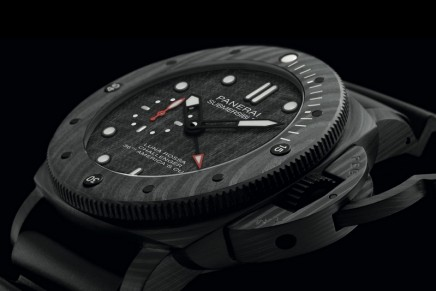 Panerai Submersible Luna Rossa meets the needs of the most demanding of sailing fans