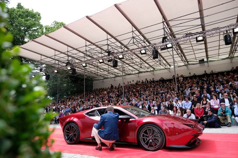 Panther ProgettoUno parades on the red carpet of the Sunday ceremony at the Concorso d'Eleganza Villa d'Este