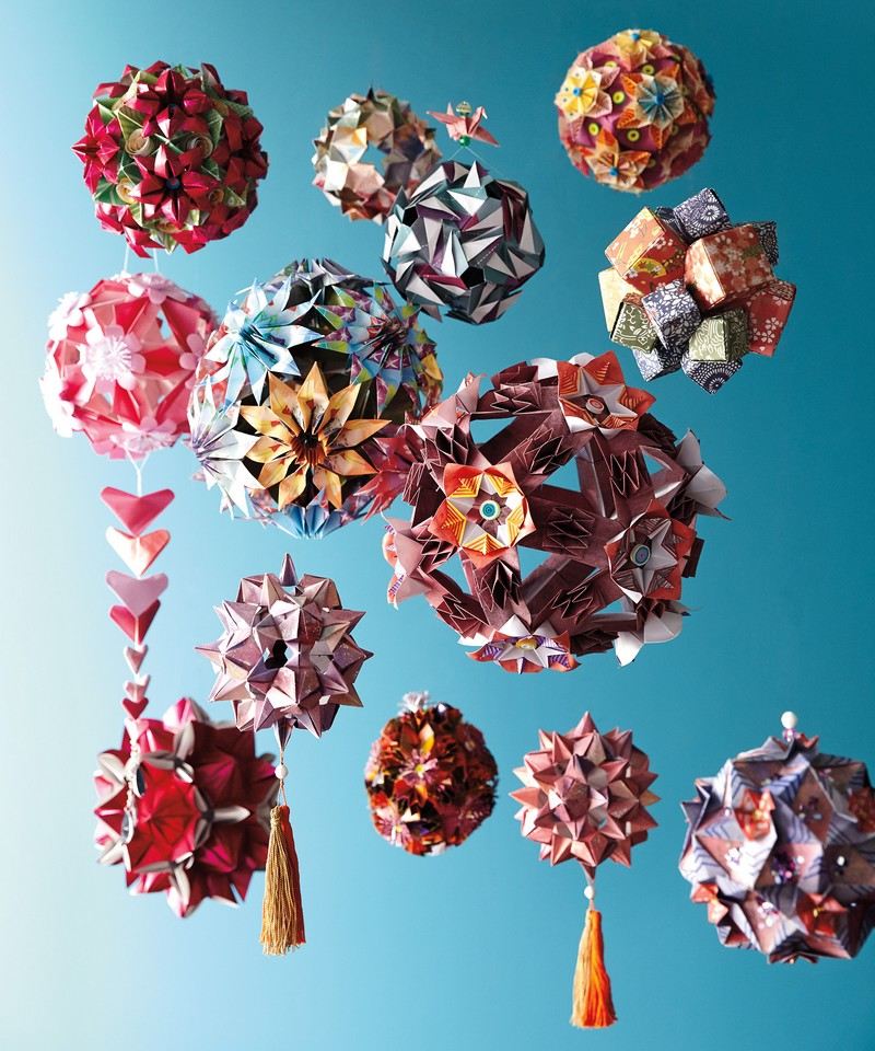 Papter for water - 50 one-of-a-kind origami ornaments