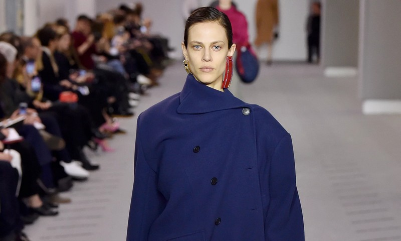 Paris fashion week 2017 - Balenciaga awes with grown-up chic collection